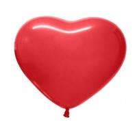 Красный шар в форме сердца